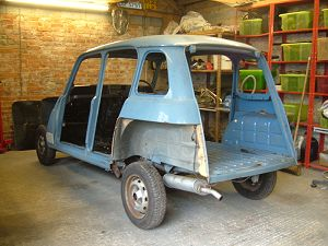 Bluebell the renault 4 for Garage renault rots