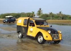 2cv in the water at Zebraber