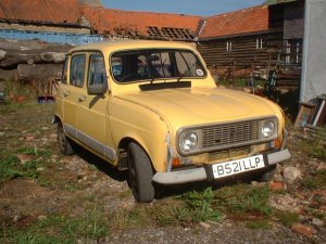 Ermintrude the Renault 4 front view
