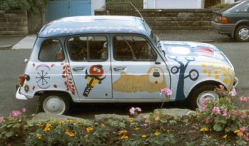 Florence the Renault 4 painted with Magic Roundabout Characters