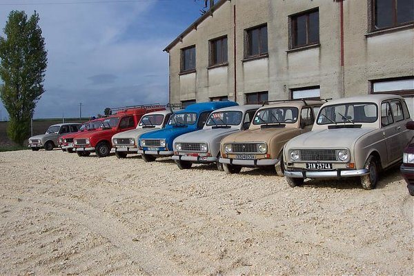 some nice 4s for sale in sw france renault 4 forum. Black Bedroom Furniture Sets. Home Design Ideas