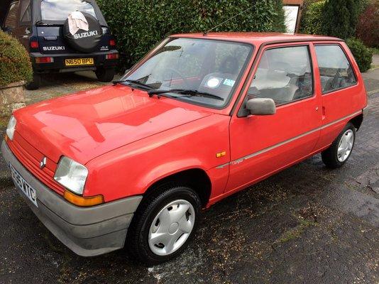 Entire 1990 Renault Campus Sold | Renault 4 Forum