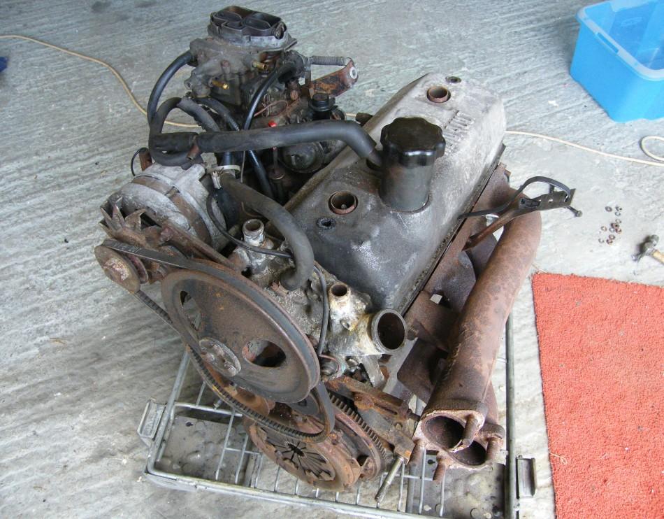 Fitting The R5 Gordini Alpine Engine