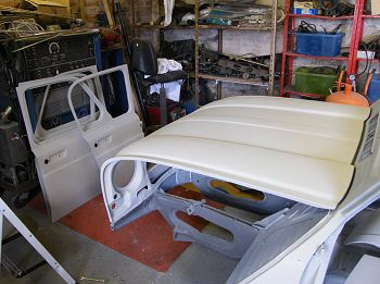 Bonnet and doors in self etch primer