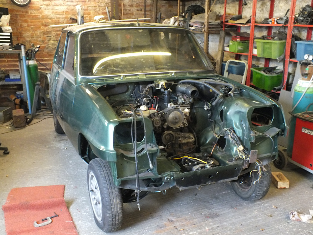 https://www.renault4.co.uk/r5-reassembly/engine-fitted-large.jpg