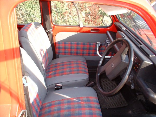 Rosalie the renault 4 my renault 4gtl for Interieur 4l