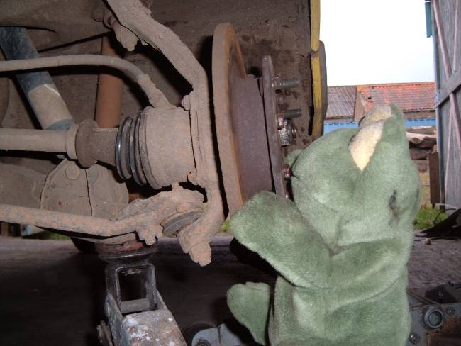 Lower Ball Joint >> Replacing a Lower Balljoint